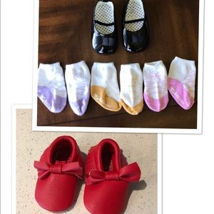 Baby shoes bundle with socks